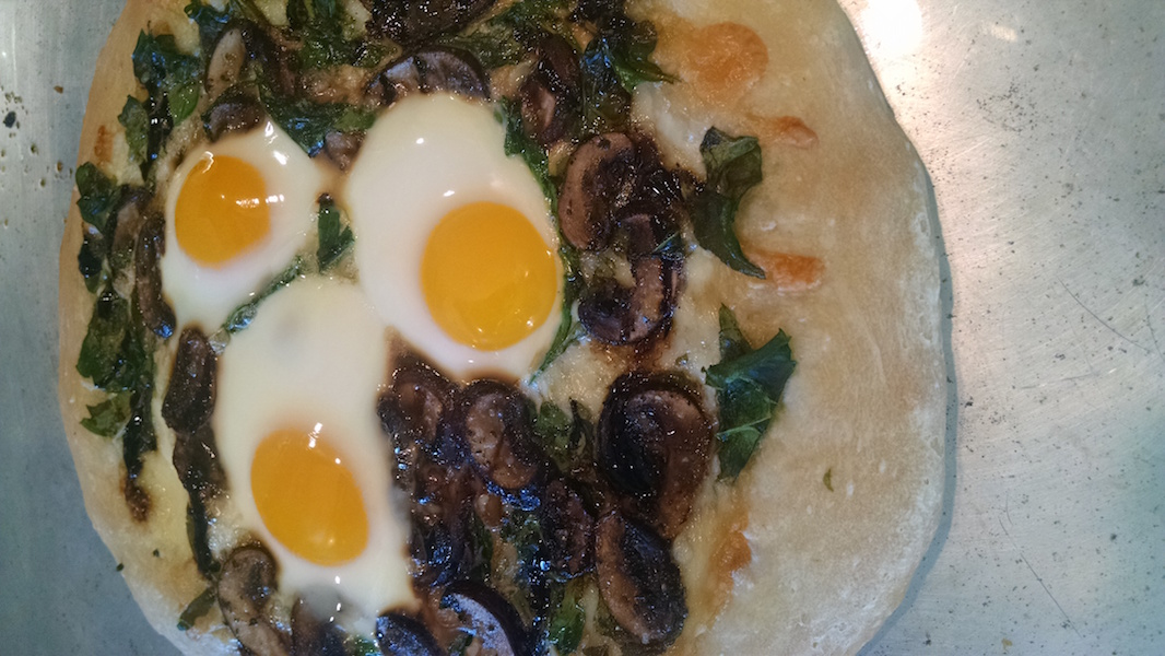Iris Inn Breakfast Pizza